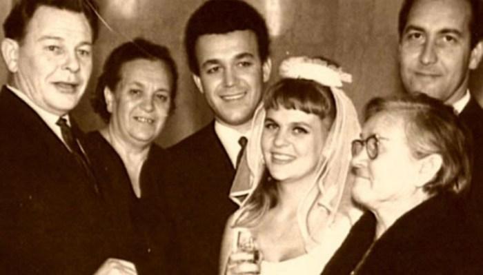 Свадебная фотография Иосифа Кобзона и Вероники Кругловой. / Фото: www.svadba1000.ru