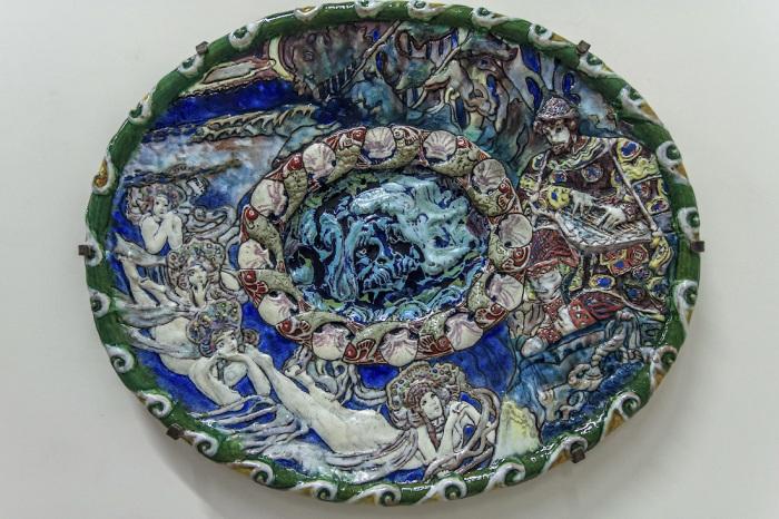 Еще одно блюдо «Садко» хранится в Русском музее в Санкт-Петербурге. / Фото: www.livejournal.com