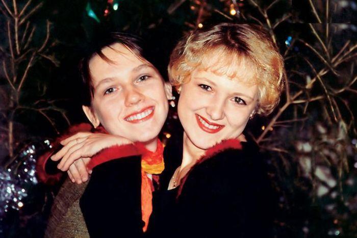Ксения и Анна - дочери Юрия Шлыкова и Наталии Санько. / Фото: www.7days.ru