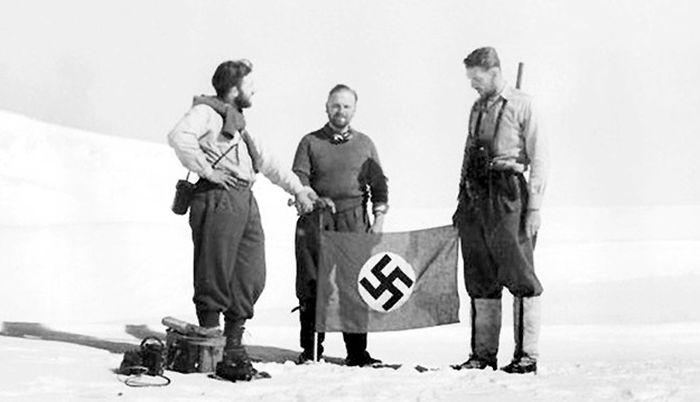 Участники нацистской экспедиции в Антарктиде. / Фото: www.russianpulse.ru