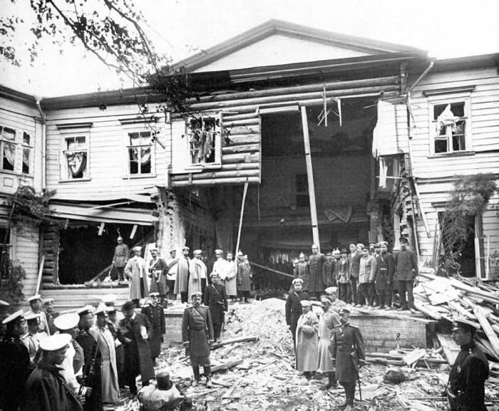 Так выглядел дом Петра Столыпина после покушения на него в августе 1906 года. / Фото: www.twitter.com