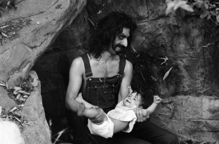 Фрэнк Заппа с дочерью Мун Юнит. / Фото: www.rollingstone.com