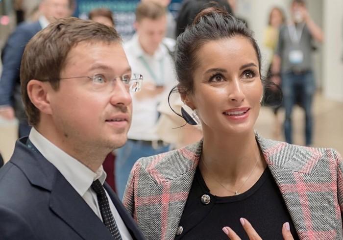 Тина Канделаки и Василий Бровко. / Фото: www.rosregistr.ru