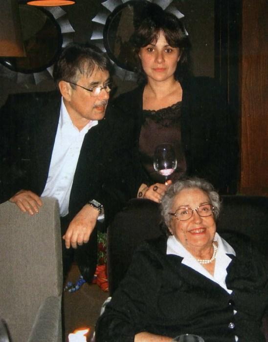 Павел Чухрай с дочерью Дарьей и мамой Ираидой Петровной.