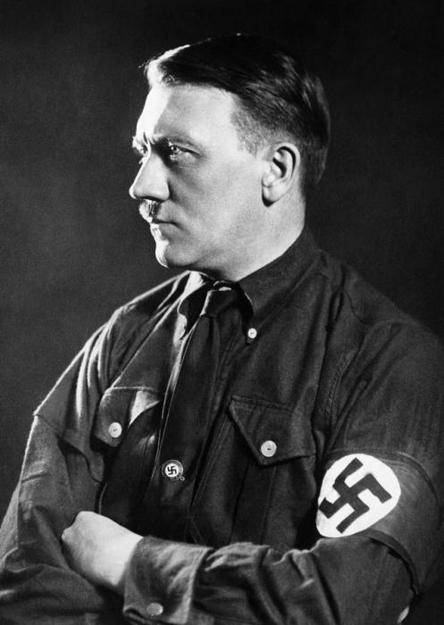 Адольф Гитлер, 1934 год. / Фото: www.fineartamerica.com
