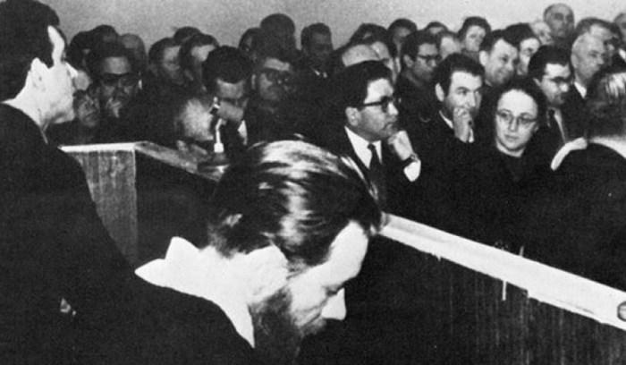 Во время суда над Андреем Синявским и Юлием Даниэлем. / Фото: www.homsk.com