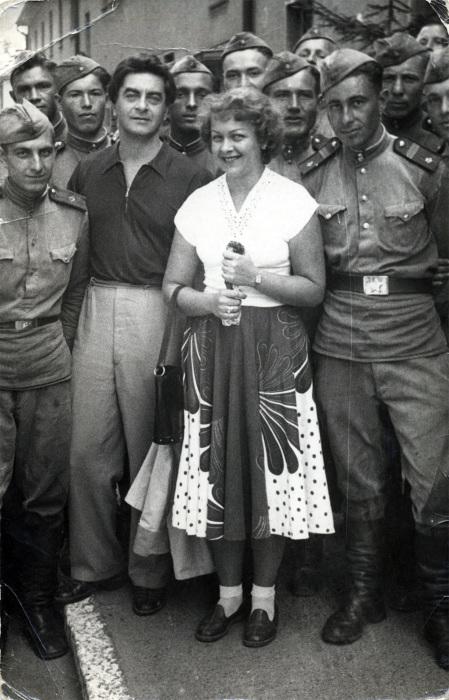 Юрий Любимов и Людмила Целиковская. / Фото: www.vasheslovo.com