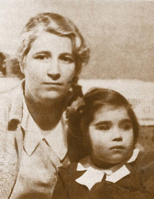 Ксения Винцентини с дочерью. / Фото: www.famhist.ru