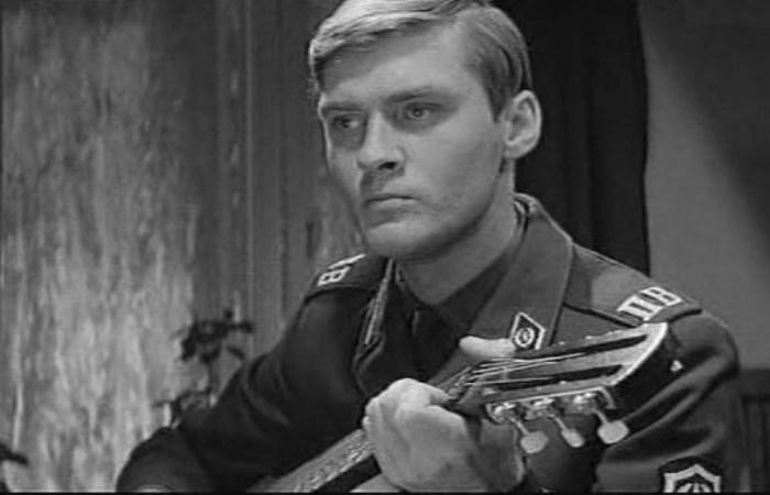 Борис Щербаков, кадр из фильма «Я служу на границе». / Фото: www.kino-teatr.ru