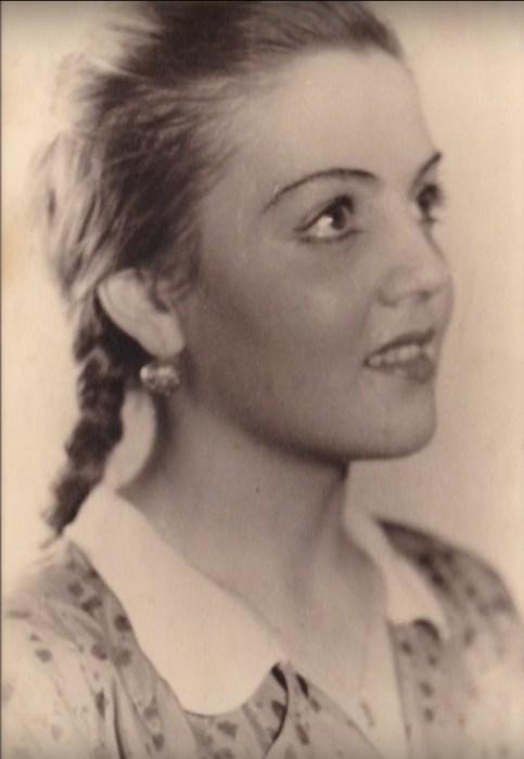 Ирина Чагадаева в юности. / Фото: www.tvkultura.ru
