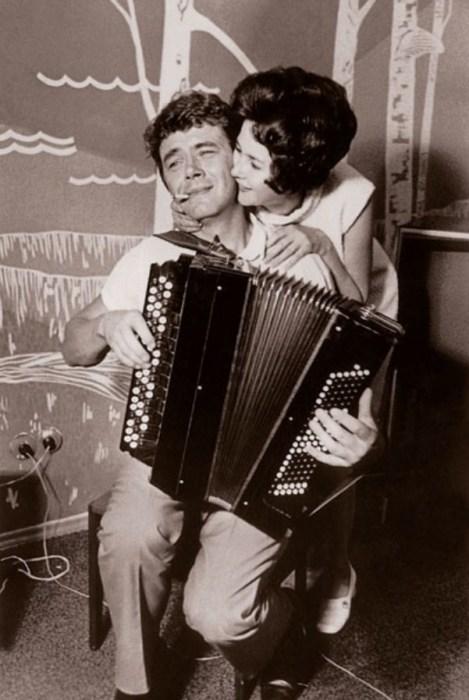 Юрий Гуляев с женой. / Фото: www.1001material.ru