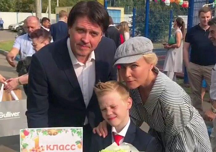 Мария Куликова и Денис Матросов с сыном Иваном. / Фото: www.domashnyochag.ru