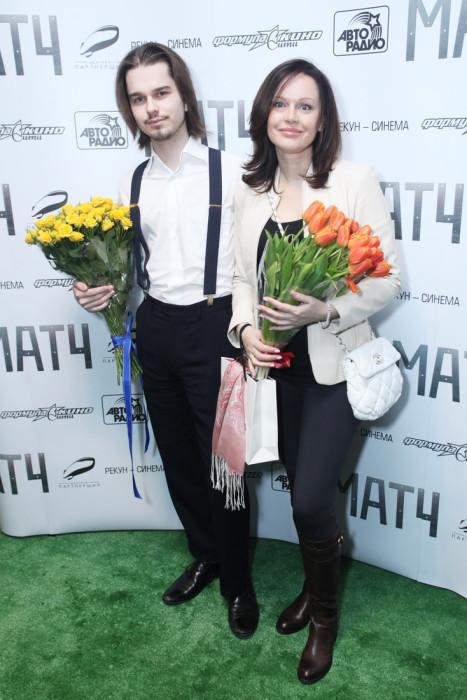 Ирина Безрукова с сыном. / Фото: www.woman.ru
