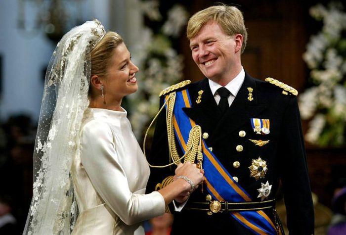 В день бракосочетания. / Фото: www.headlinecode.com