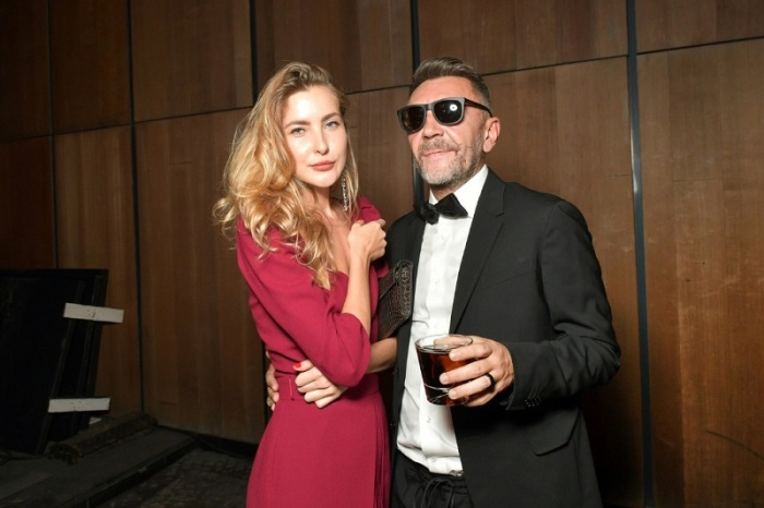 Сергей Шнуров и Ольга Абрамова. / Фото: www.tocrypto.ru