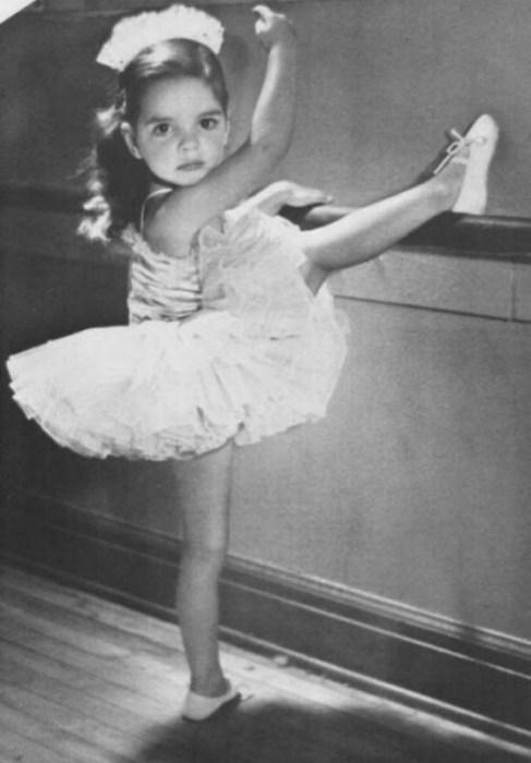 Лайза Миннелли в детстве. / Фото: www.twimg.com