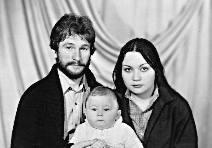 Игорь Тальков-младший с родителями. / Фото: www.duck.show