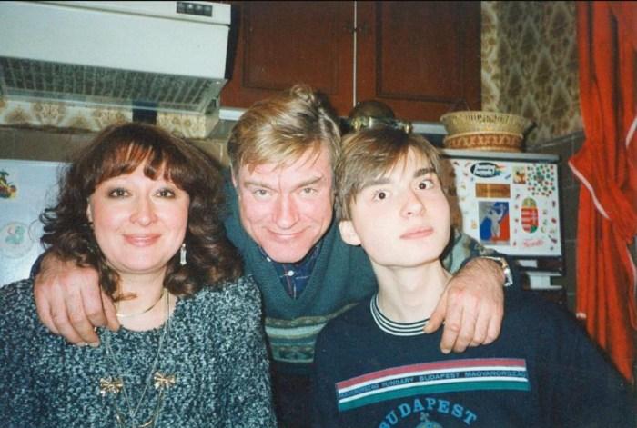 Борис Щербаков и Татьяна Бронзова с сыном. / Фото: www.moscvichka.ru