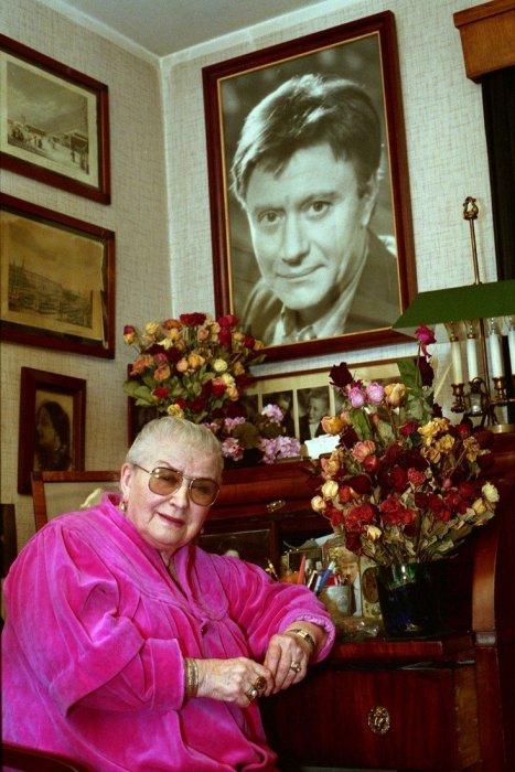 Боль матери, потерявшей сына, так и не притупилась с годами. / Фото: www.vladtime.ru
