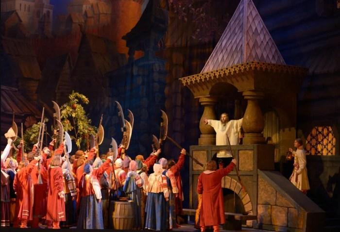 Сцена из оперы «Хованщина» Модеста Мусоргского. / Фото: www.yandex.net