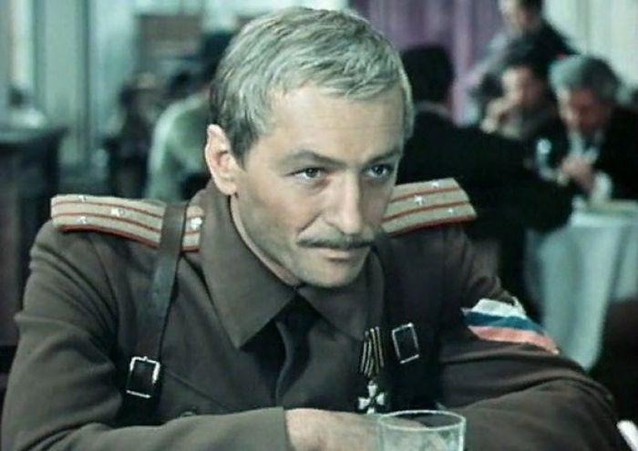 Михаил Ножкин, кадр из фильма «Хождение по мукам». / Фото: www.kino-teatr.ru