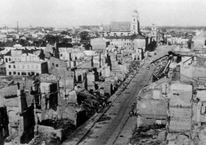 Послевоенный Минск. / Фото: www.twimg.com