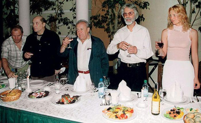Борис Хмельницкий и Лариса Галактионова с Александром Филиппенко и Зурабом Церетели. / Фото: www.7days.ru