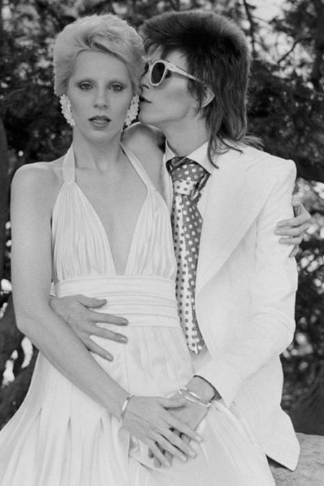 Дэвид Боуи и Анджела Барнетт. / Фото: www.twimg.com