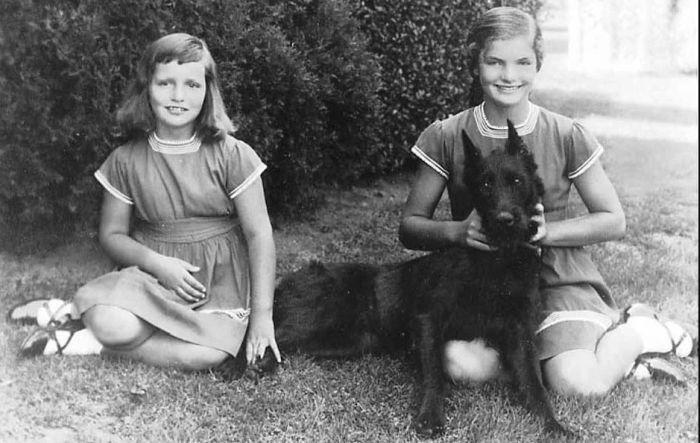 Ли Радзивилл и Жаклин Кеннеди в детстве. / Фото: www.aif.ua