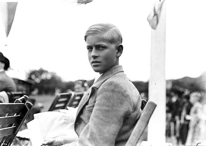 Принц Филипп в школьные годы. / Фото: www.dailymail.co.uk