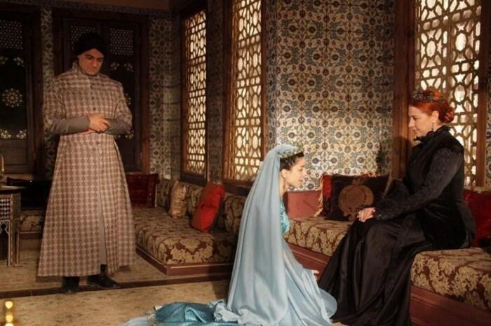 Кадр из сериала «Великолепный век». / Фото: www.kinopoisk.ru