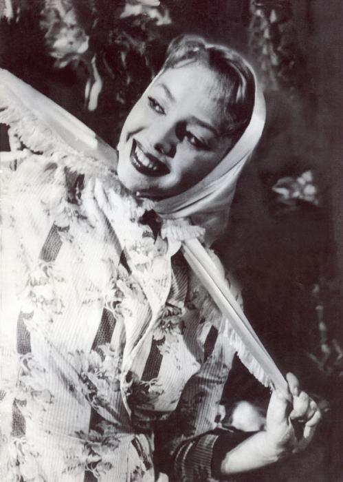 Мира Кольцова, солистка ансамбля «Берёзка». / Фото: www.peoples.ru