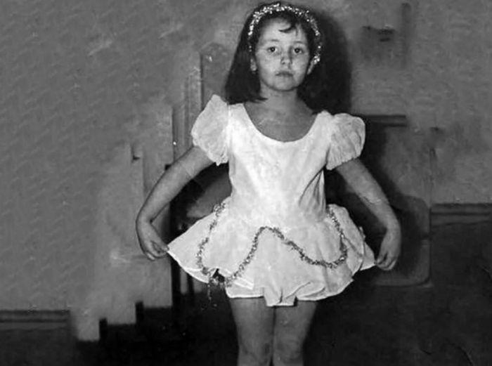 Алла Духова в детстве. / Фото: www.yandex.net