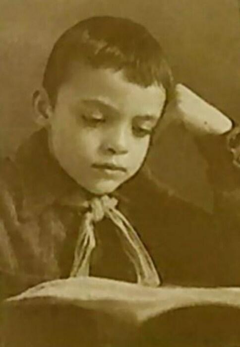 Владислав Дворжецкий в детстве. / Фото: www.liveinternet.ru