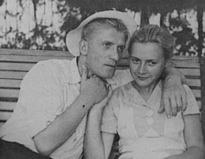 Николай Крючков и Мария Пастухова. / Фото: www.krestyanka.com