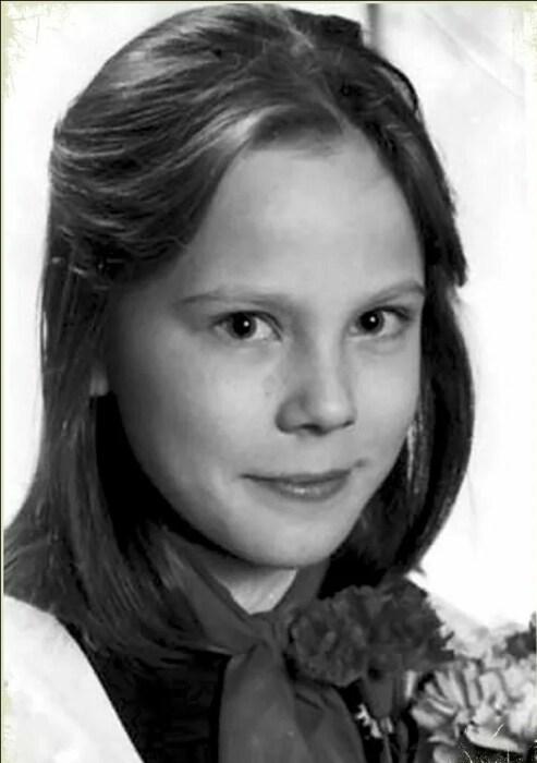Мария Куликова в детстве. / Фото: www.yandex.net