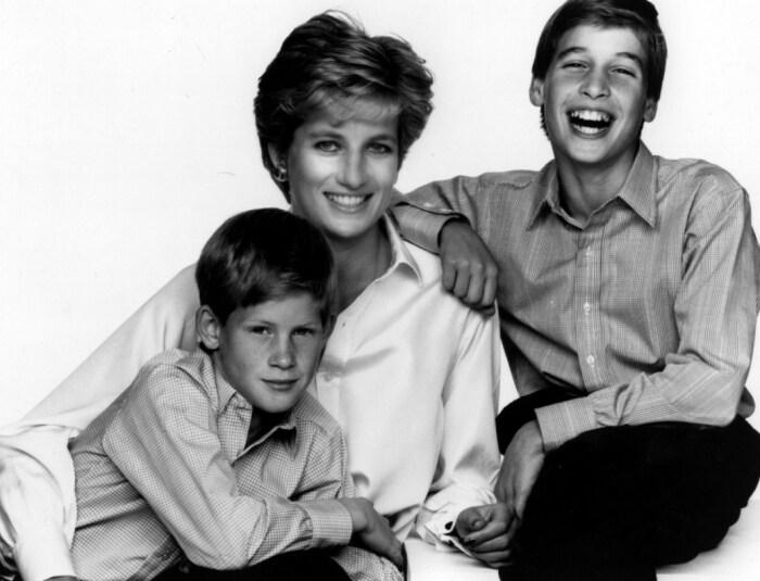 Принцесса Диана с сыновьями. / Фото: www.alghad.tv