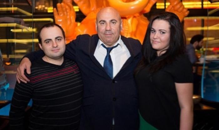 Дмитрий и Даная Пригожины с отцом. / Фото: www.info-tses.kz