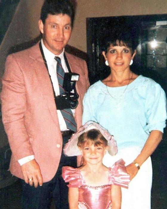 Бритни Спирс в детстве с родителями. / Фото: www.loveradio.ru