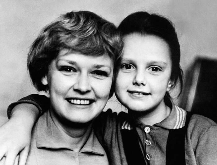 Нина Гребешкова с дочерью. / Фото: www.postila.ru