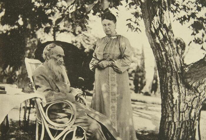 Лев Толстой и его жена Софья. / Фото: www.meisterdrucke.ru