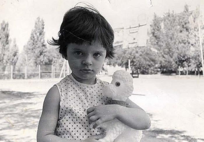 Елена Хрулёва в детстве. / Фото: www.lediplus.ru