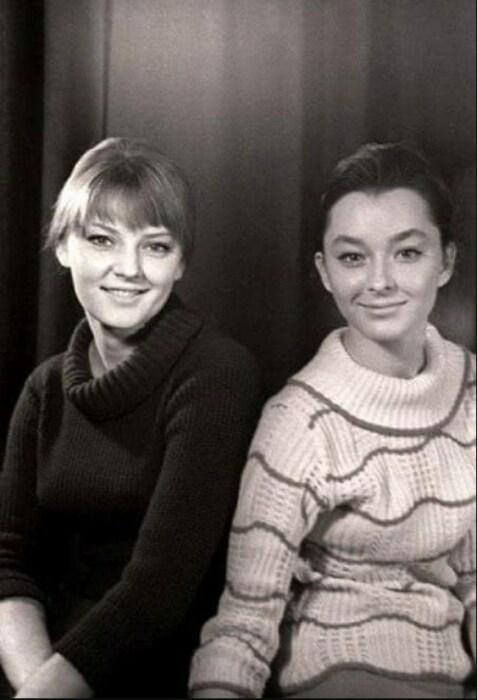 Марианна и Анастасия Вертинские. / Фото: www.twimg.com