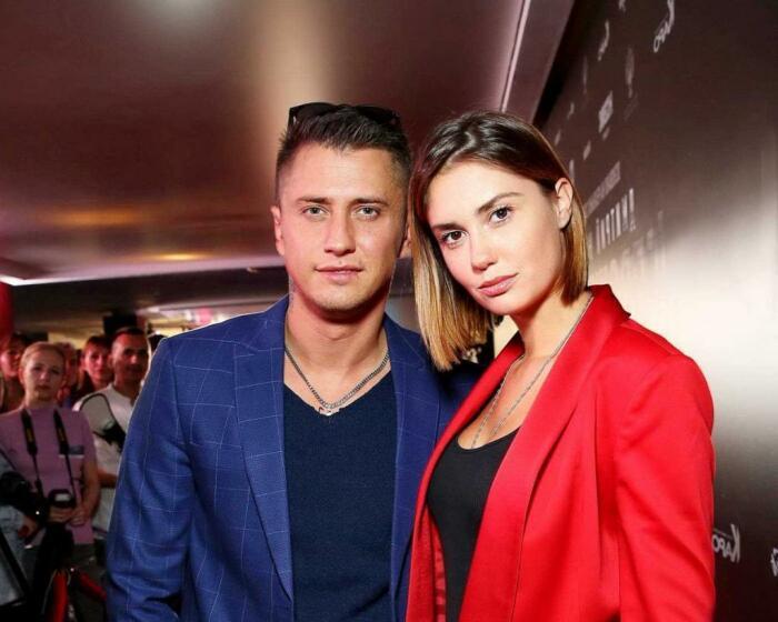 Павел Прилучный и Агата Муцениеце. / Фото: www.nastroy.net