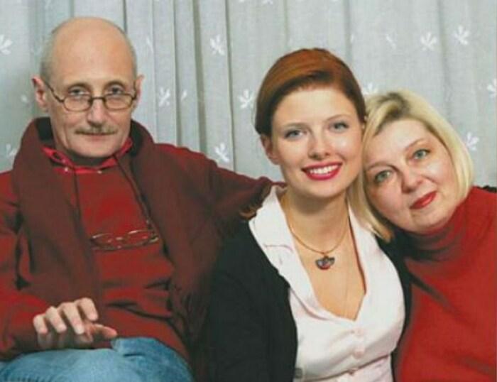 Эмилия Спивак с родителями. / Фото: www.comp-pro.ru