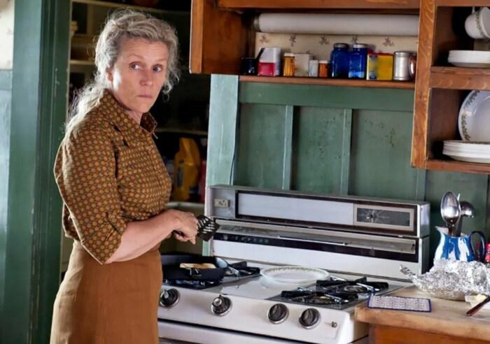 Кадр из сериала «Что знает Оливия?» / Фото: www.kinopoisk.ru