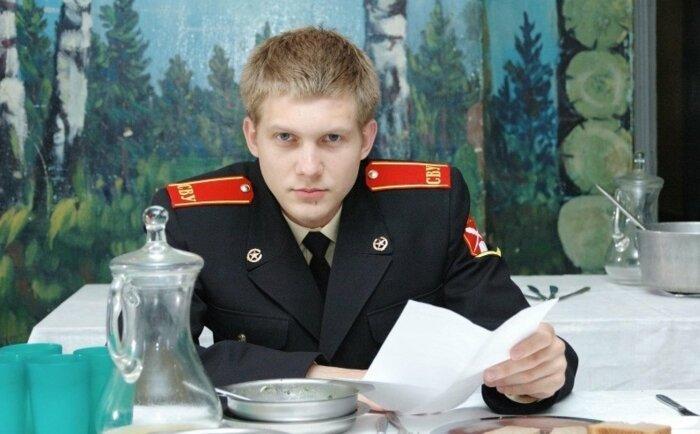 Борис Корчевников в сериале «Кадетство». / Фото: www.filmpro.ru