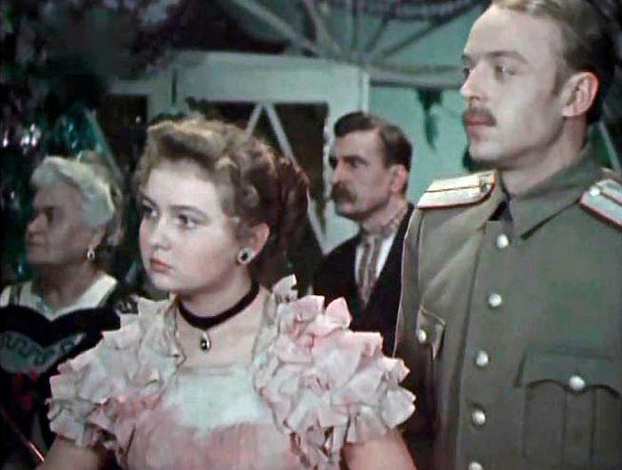 Людмила Мызникова в фильме «Гроза над полями». / Фото: www.kino-teatr.ru