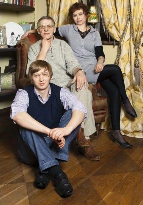 Миколас Орбакас с женой Мариной и сыном Фабианом. / Фото: www.7days.ru