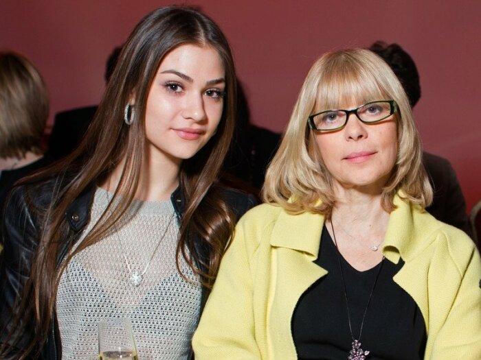 Анастасия Шубская с мамой Верой Глаголевой. / Фото: www.globalmsk.ru